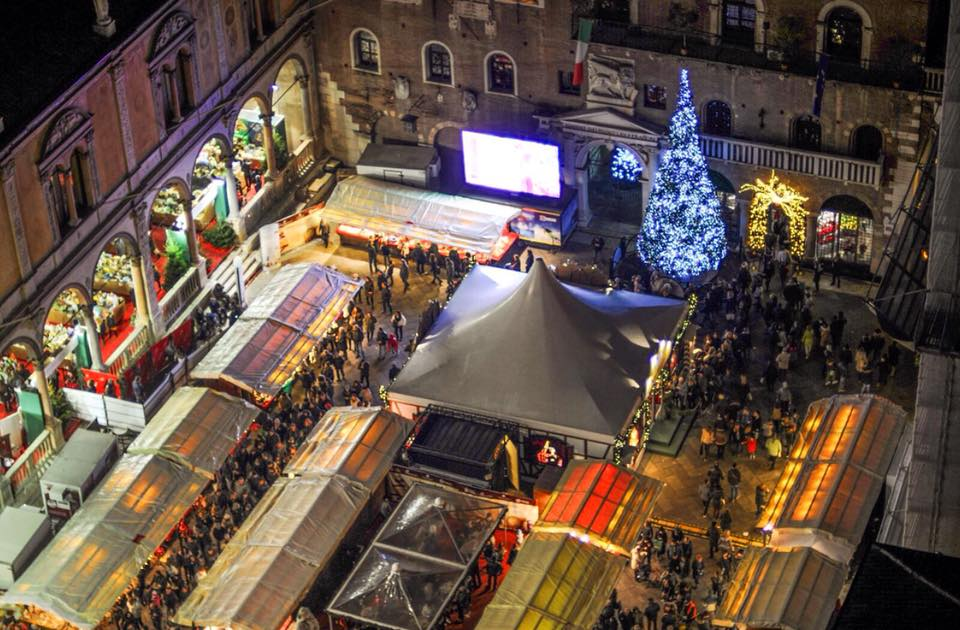 Immagini Di Verona A Natale.Mercatini Di Natale A Verona Il 17 Novembre Inaugurazione